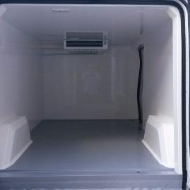 Interior Nueva Trafic con equipo oculto